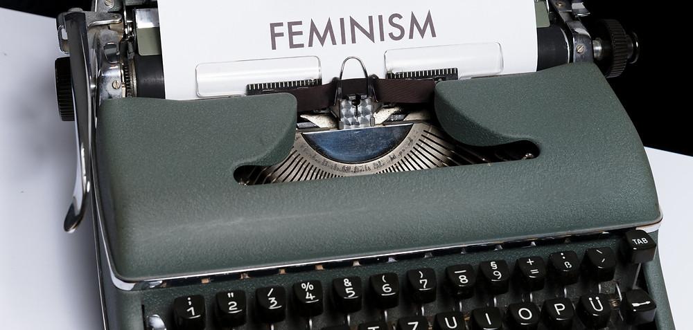Máquina de escrever escrito Feminis