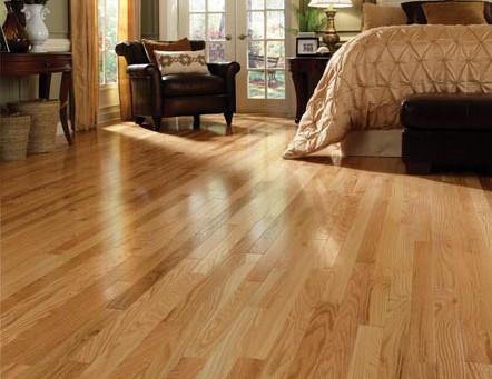Hardwood Floors vs. Vinyl Plank Floors
