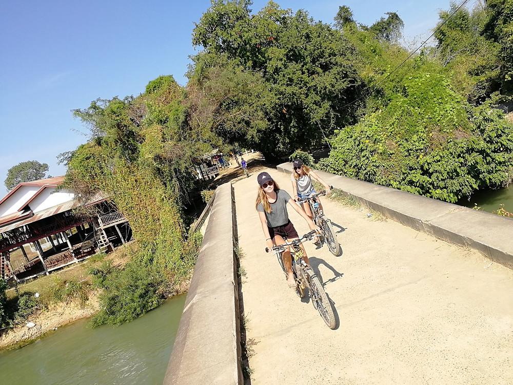 Tour du monde à vélo en famille balade Don Det