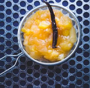 Obuolių uogienė su bananais, ananasais ir vanile, vmg receptas