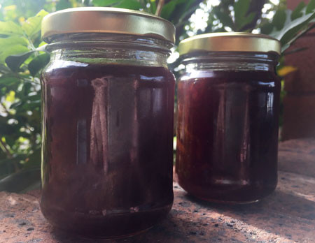 Left/top: Pulp, peel, water. Right/bottom: I made 6 x 125 gram jars of dark markalade.