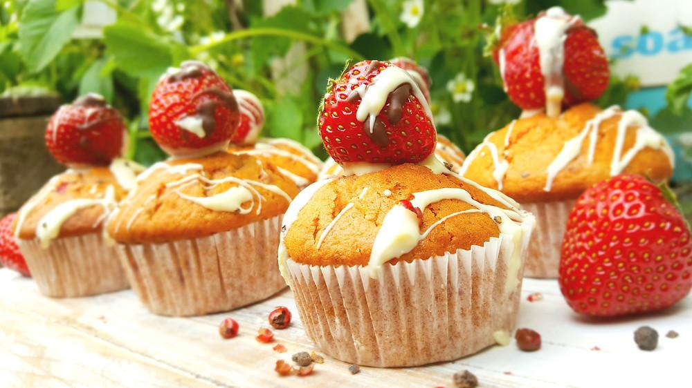Erdbeer-Vanille-Muffins, Muffins, Erdbeeren, Vanille, Balsamico, Pfeffer, backen, Rezept, Küstencookie, Kuestencookie, Feinschmecker, Geschmacksexplosion, weiße, Schokolade