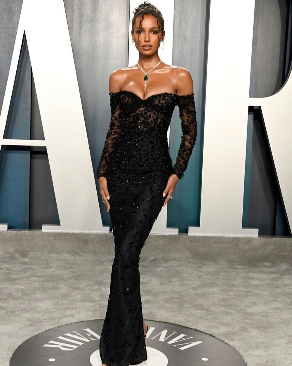 Model Jasmine Tookes at the Vanity Fair Oscars Afterparty 2020 styled by Cary Robinson Celebrity Stylist