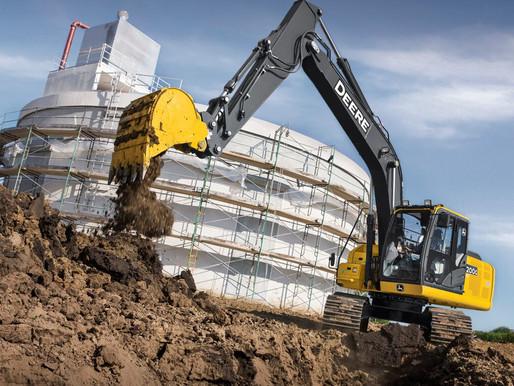 John Deere amplia portfólio e lança escavadeira de 20 toneladas