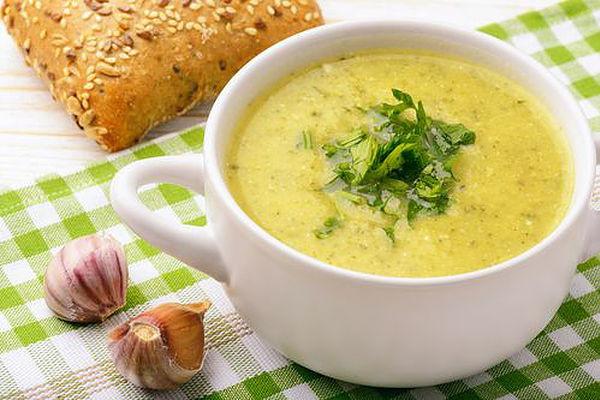 Zdravá cuketová polévka recept