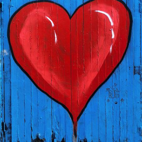 D'où vient l'amour? Pourquoi devons-nous aimer?