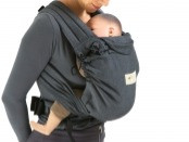 Porte bébé asiatique Meï Taï Charlotte Bureau Ostéopathe Nîmes