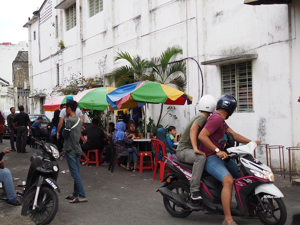 More tables outside the Nasi Kandar restaurant