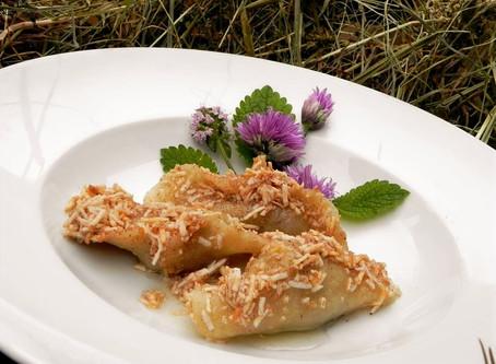 Cooking Cjarsòns: Ravioli with Apples