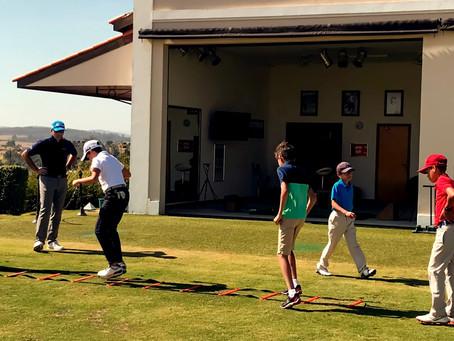 Visão geral do currículo juvenil de golfe do Titleist Performance Institute