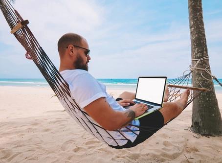Le Workation: ne plus choisir entre travail et vacances