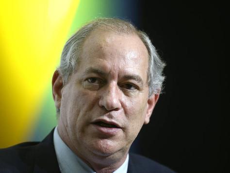 Ciro: 'Do jeito que vai, capital político de Bolsonaro não dura seis meses'