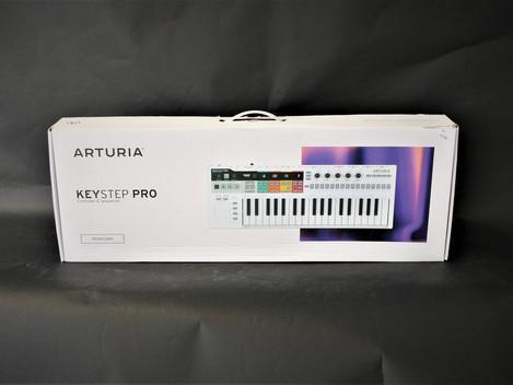 Nästan ny Arturia KeyStep Pro, helt komplett, 2499:-