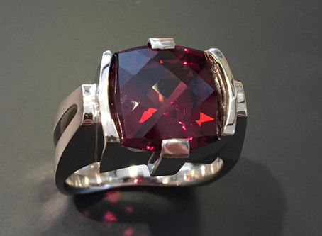 Rhodolite Garnet, such an underrated gem!