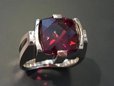 Rhodolite Garnet, such an underrated gem!