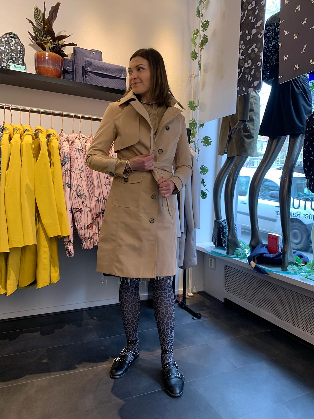 Personal Shopper , Stylist Amsterdam guide to rain coats