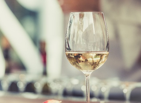 Step by Step Guide to Making White Wine