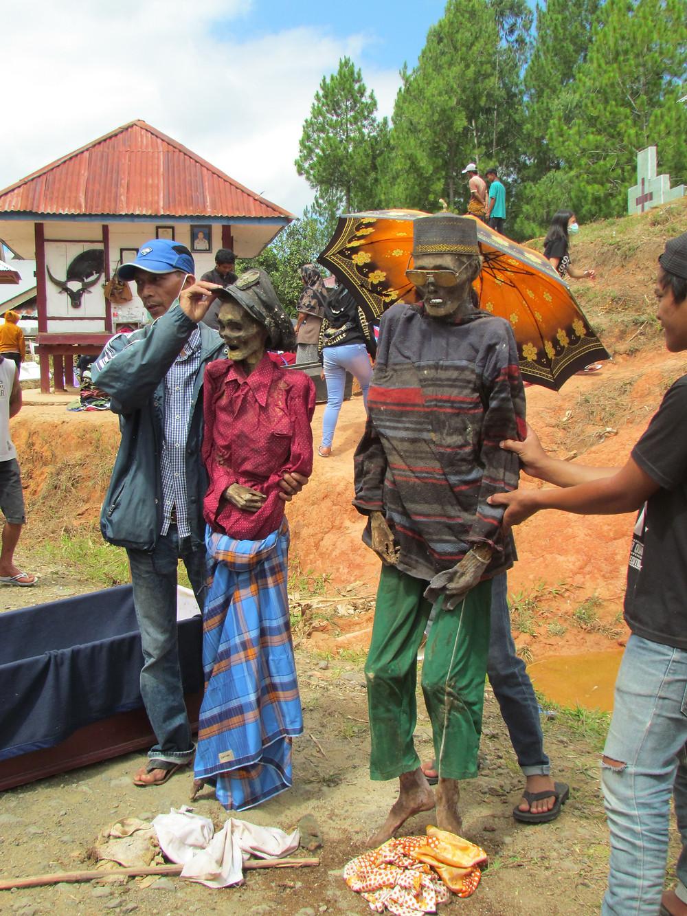 Indonésie Torajas Sulawesi Célébration rituel funéraire Ma'nene