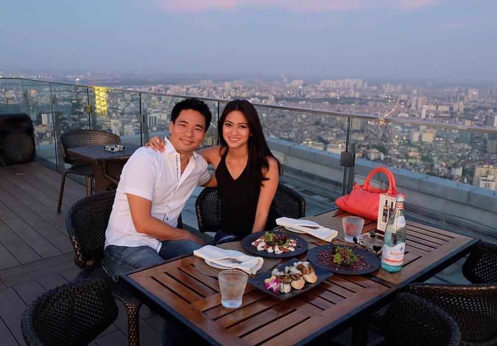 Rini Yulianti dan Michael Ha buka puasa bersama di Hanoi, Vietnam.  #RiniBabyJourney #jurnalRIN