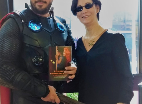 """""""THOR"""" ENDORSES FORD'S BOOK"""