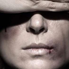 Violence conjugale : Elle choisit de rester.