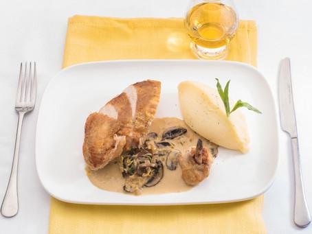 Suprêmes de poulet, sauce au citron et l'estragon - Livre : à table, le whisky du verre à l'assiette