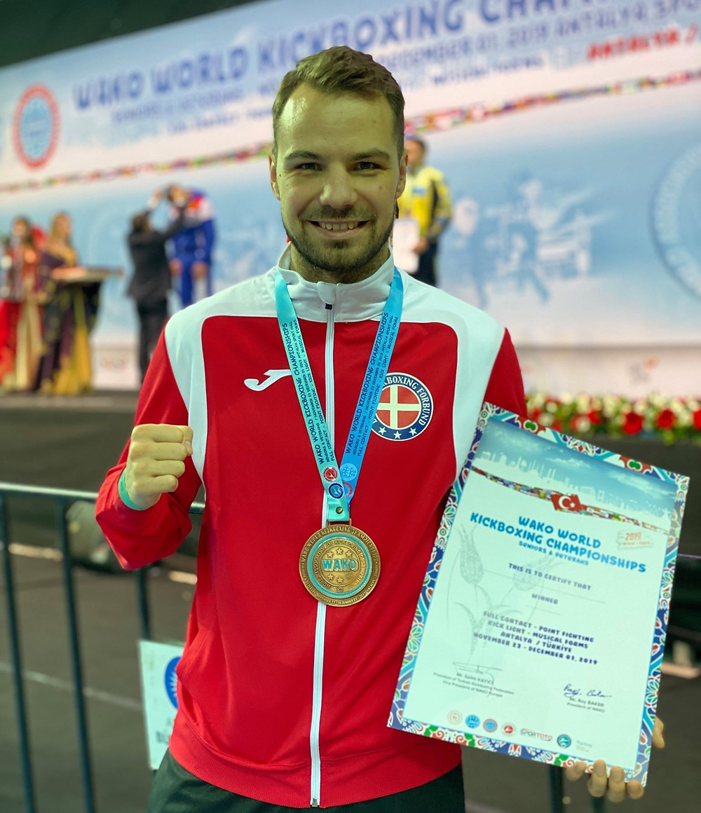 Nickolaj vinner bronse ved VM i kickboxing 2019 i Tyrkia.