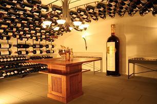 Buteljka sa 480 litara vina