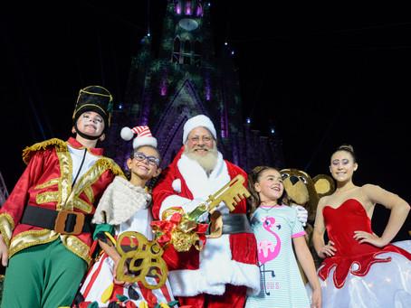 Chegada do Papai Noel faz o Natal acontecer em Canela