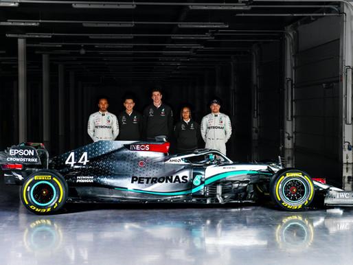 PETRONAS presenta il nuovo Trackside Fluid Engineer per il Mercedes-AMG