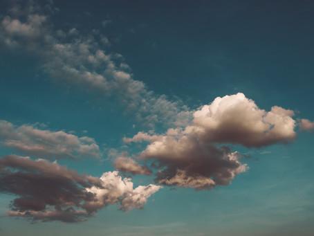Treibende Wolken