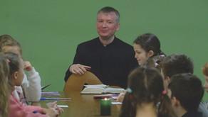 Встреча детей воскресной школы с настоятелем.