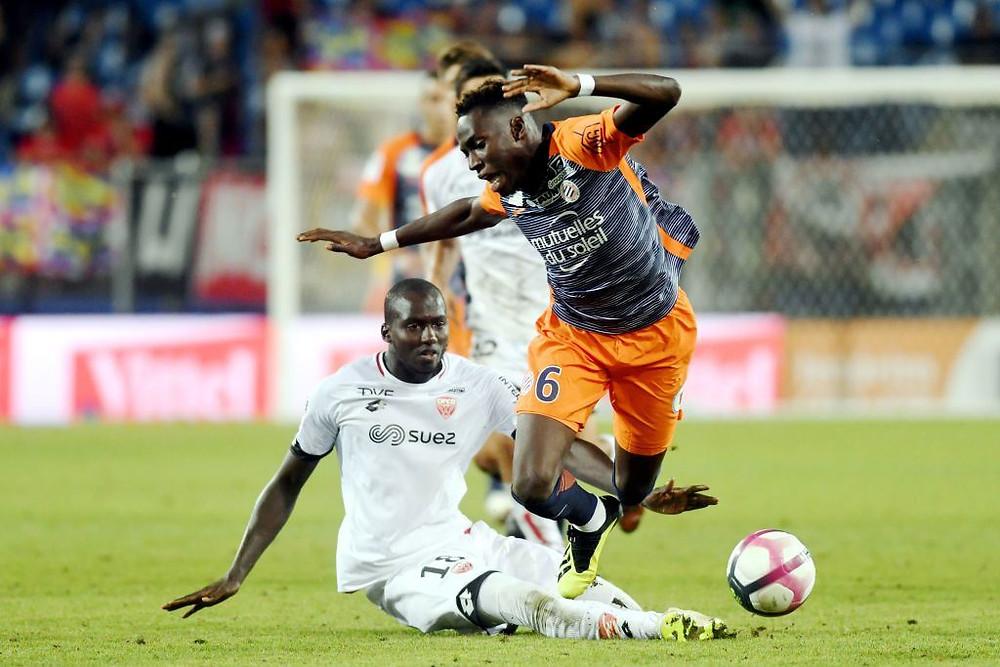 Cédric Yambéré face à Junior Sambia