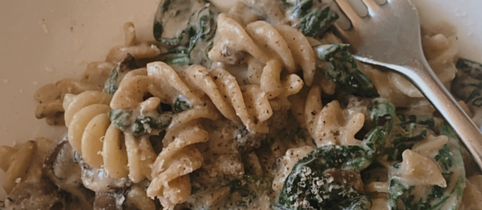 Creamy Vegan Garlic and Mushroom Pasta with Spinach