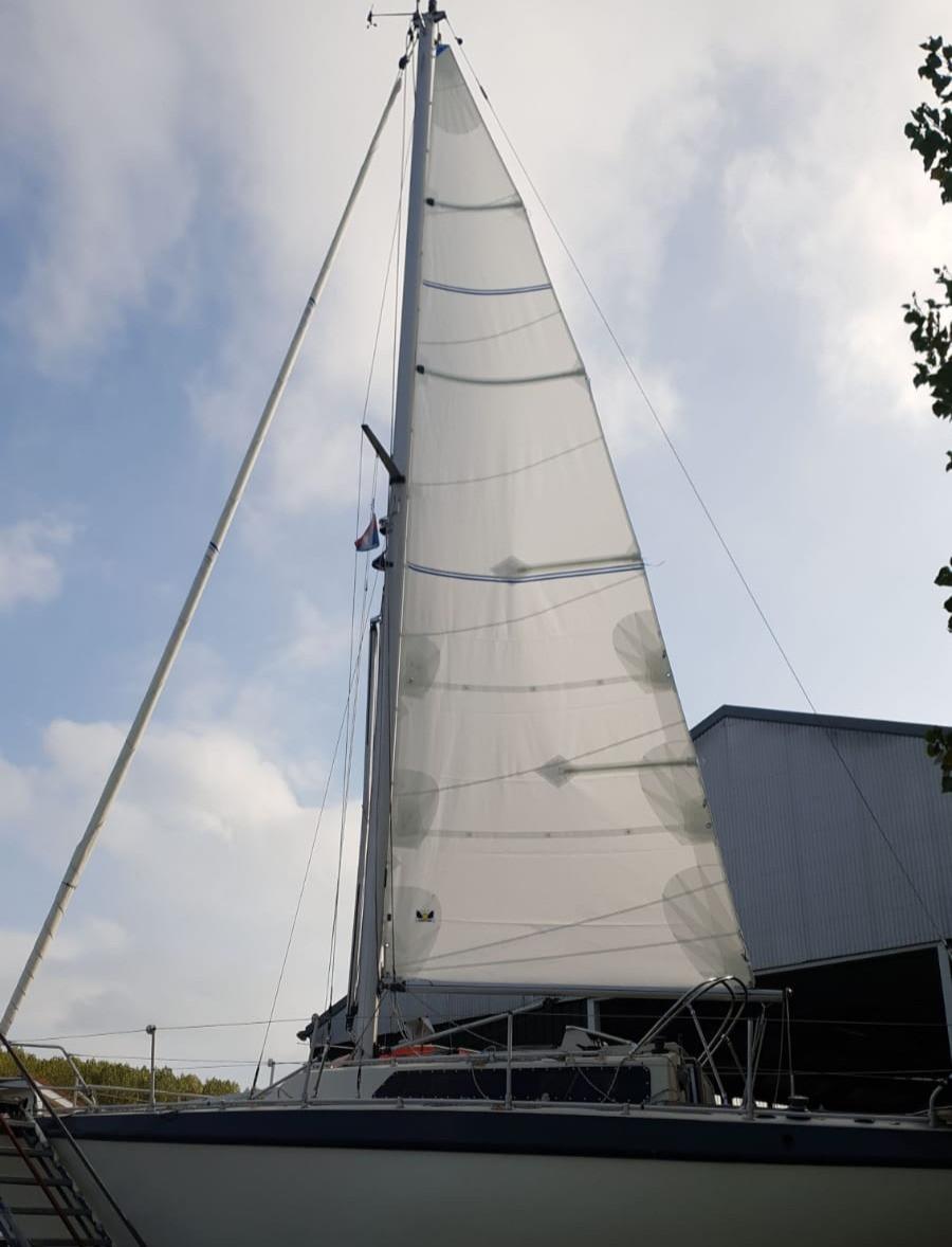 Cross-cut Dacron zeil Hagoort Sails