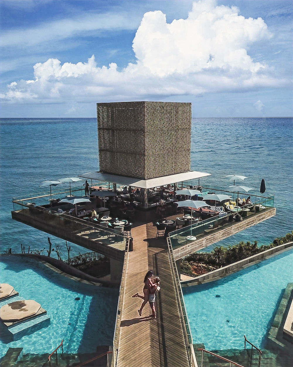 Omnia Dayclub in Uluwatu, Bali | On Airplane Mode