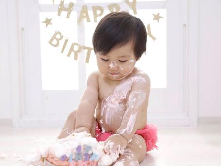 1歳の誕生日はスマッシュケーキで記念撮影♪