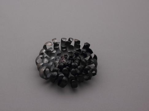 Chrysanthemum & Black (Black)