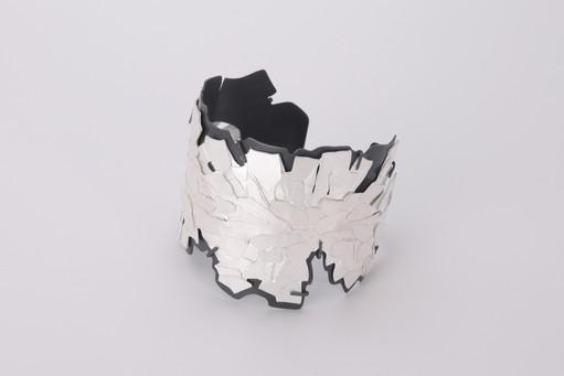 The White Chrysanthemum Crushed #5 (Bracelet)