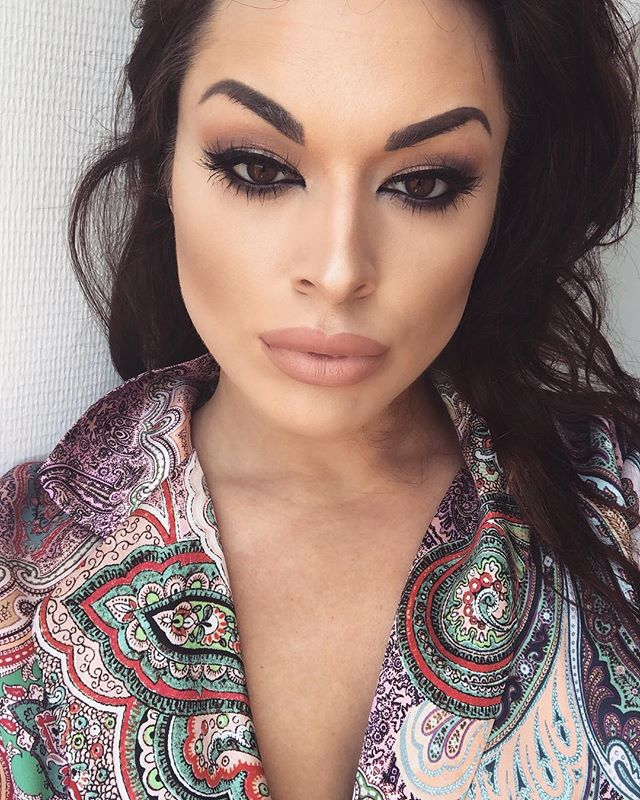 Inspired look by _makeupbymario  wearing the _ellashes_official « cannes » lashes  outfit _Zara 💕#m