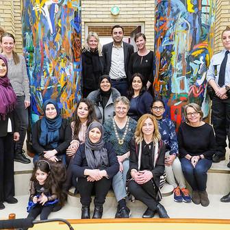 Festlig diplomoverrækkelse på Rådhuset for de nyuddannede Bydelsmødre!