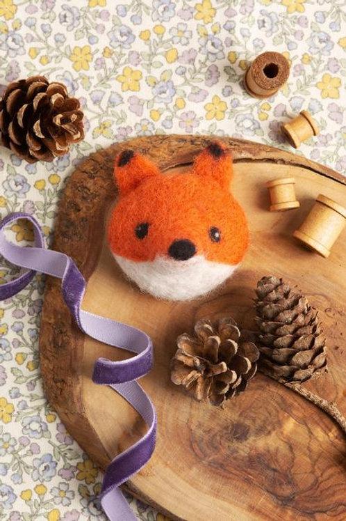 Felt your own Fox Brooch kit