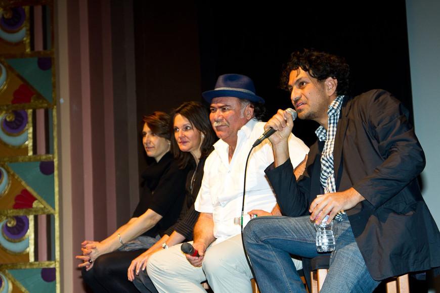 2013 Aqui Entre Nos Q&A - Carmen Beato, Patricia Martinez de Velasco, Jesus Ochoa, and Carlos Gutierrez