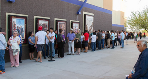 Line around the block for Tucson Cine Mexico 2016 screening of La Delgada Línea Amarilla!
