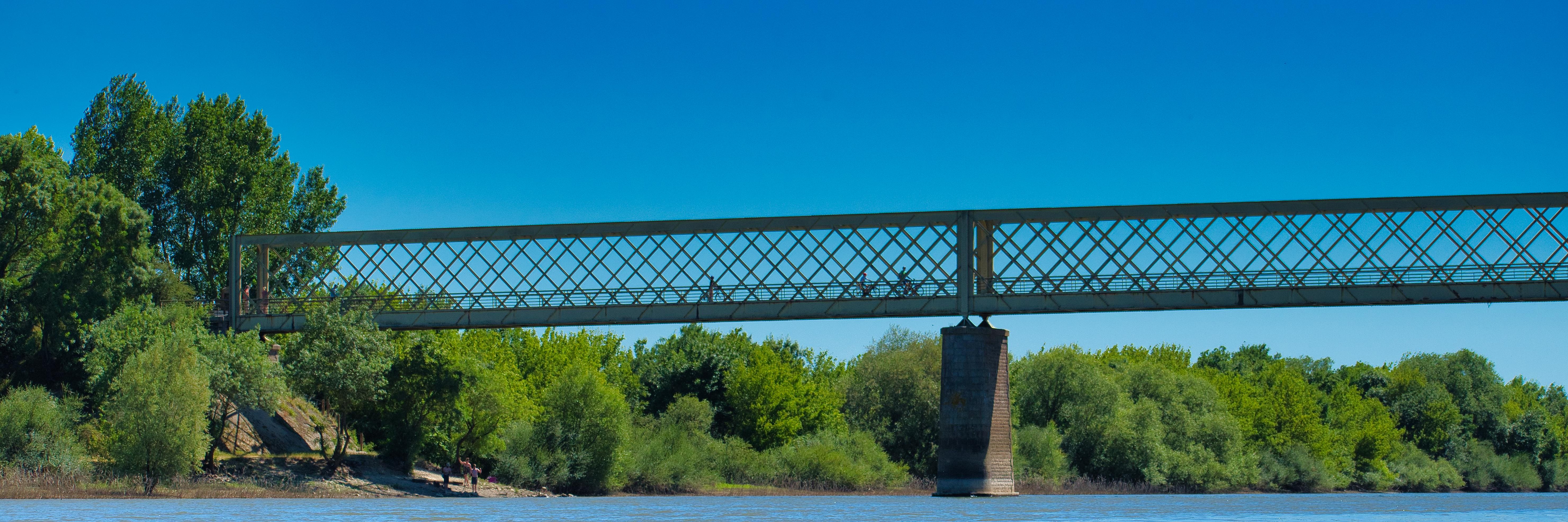 Pont de Pruniers, Bouchemaine