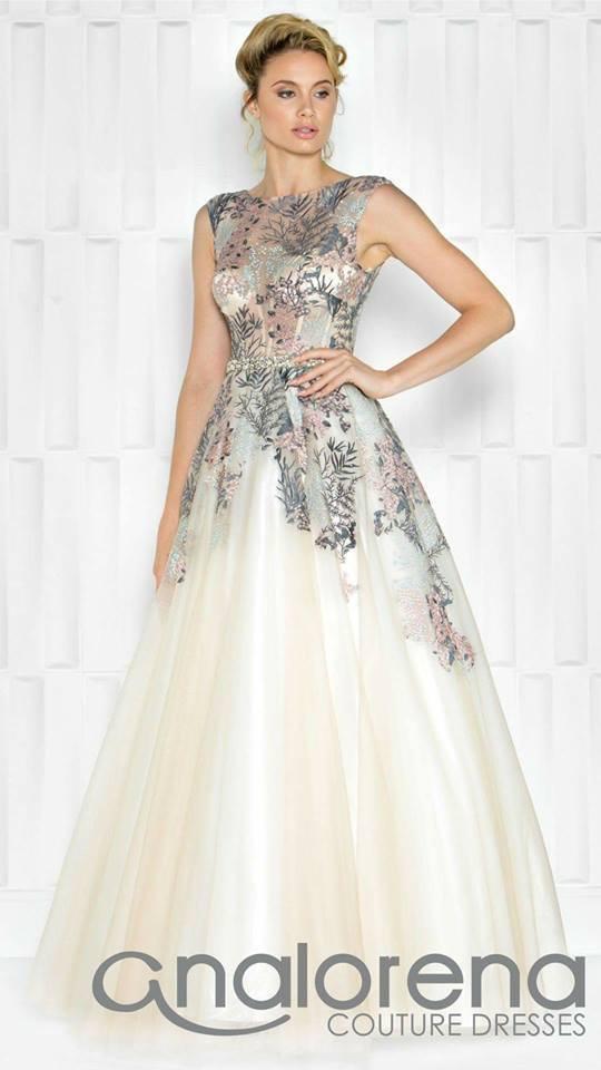 90bbbdcffd Vestido ampon con transparencia en talle y bordado floral Colors Couture