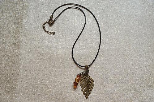 """Дамски медальон Ancient gold """"Brown leaf"""""""