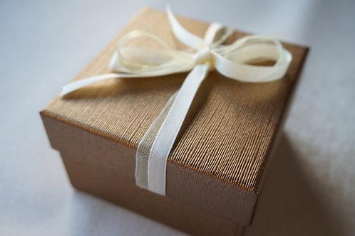 Кутийка за подарък gold glamour