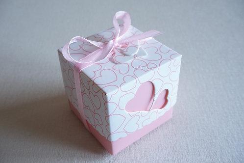 розова кутийка за подарък