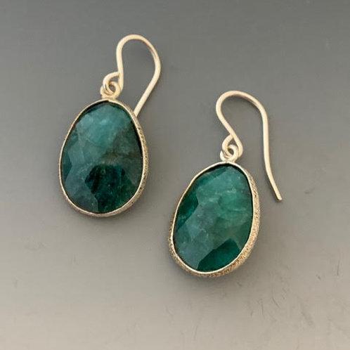 26 Emerald earrings